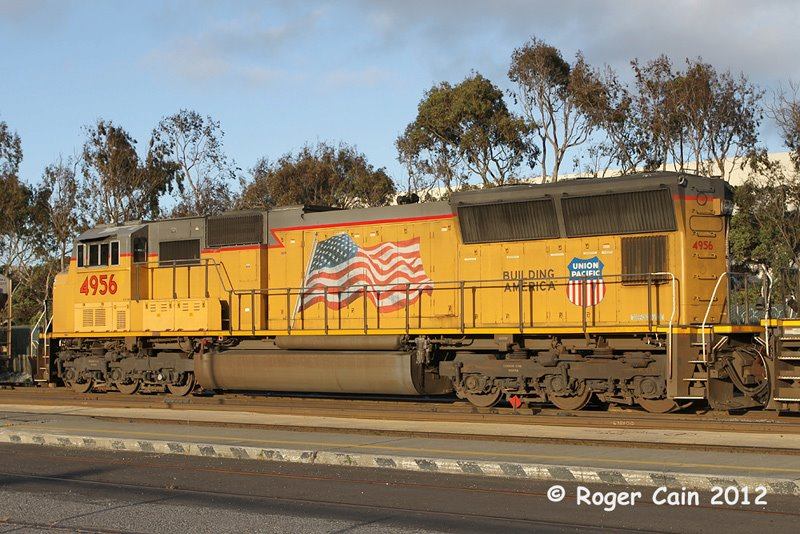 Trains passing through South San Francisco SD70M - third one in this line Photo ROGER CAIN