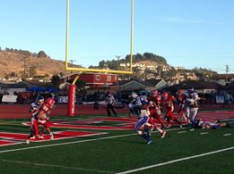 SSF retakes lead 29-28 with 8-yd Goodman run and Goodman 2-pt conversion. Just 1:28 left in game. EC will try to go 65 yards in time left. Photo: John Baker