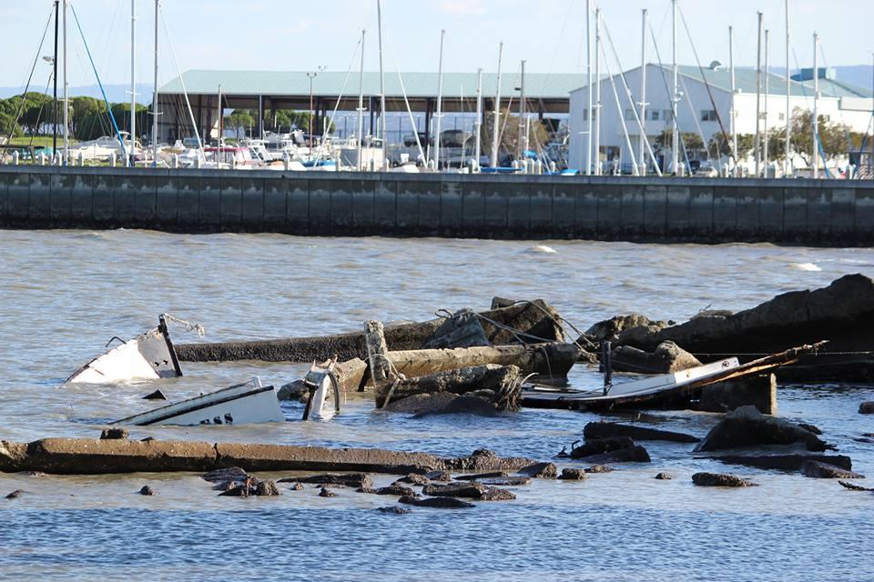 "What""s left of a 50' fishingboat on the rocks..... Photo: Joe Frezza"
