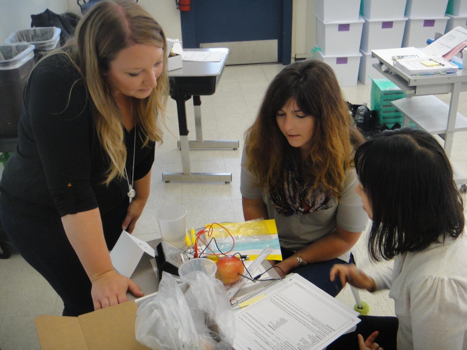 OpTerra STEM Educator Alison Smith works with SSFUSD teachers during the first week of the District's Summer STEM Institute. OpTerra has provided professional development training and hands-on energy curriculum tied to STEM for teachers throughout grade levels.